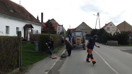 Sprzątanie wioski